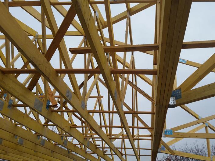 Fabrication et pose d'une charpente industrielle fermette à St Etienne, Loire, Rhônes Alpes