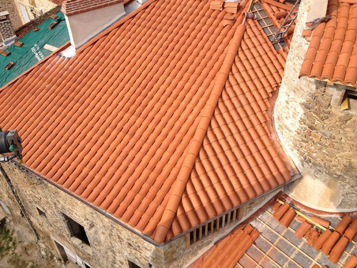 Couverture et charpente traditionnelle à Auzon en haute loire proche d'Issoire et de Brioude